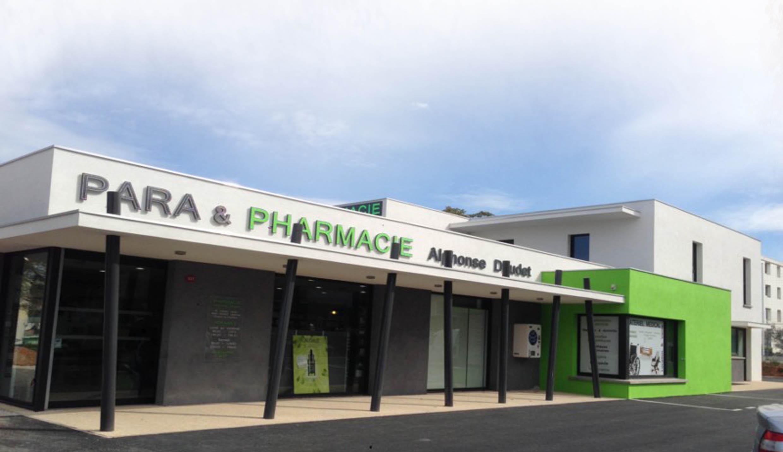 Construction batiment m dical et tertiaire pharmacie for Garage des canaux vauvert